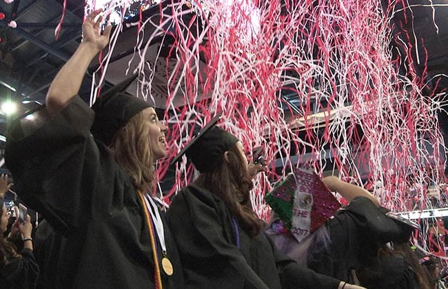 700 New Grads Celebrate 'Brighter Future' at ACC Winter Commencement 2017